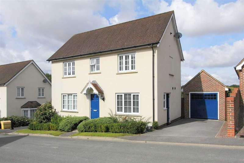 3 Bedrooms Detached House for sale in Detached Three Bed Family Home in Overton