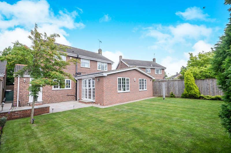 5 Bedrooms Detached House for sale in Main Street, Wilberfoss, York, YO41