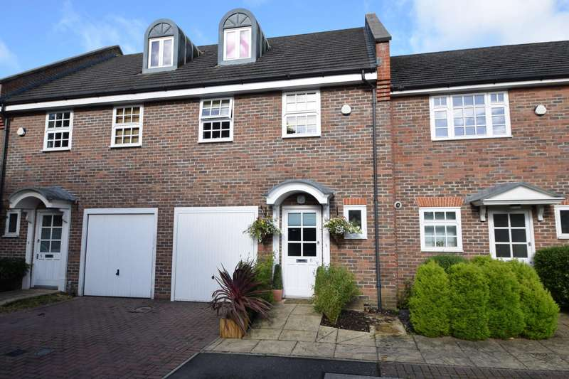 3 Bedrooms Terraced House for sale in Pepler Way, Burnham, SL1