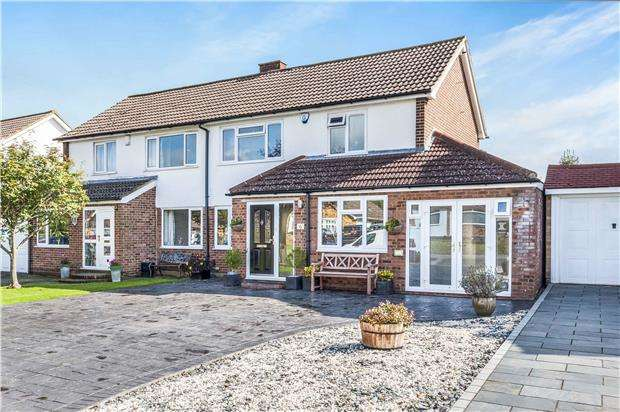 4 Bedrooms Semi Detached House for sale in Ferndale Way, ORPINGTON, Kent, BR6