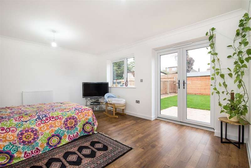 4 Bedrooms Terraced House for sale in Hurrell Drive, Harrow, Middlesex, HA2 6DY
