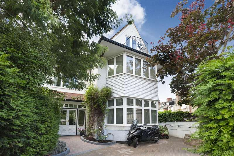 6 Bedrooms House for sale in West Heath Drive, Golders Green, NW11