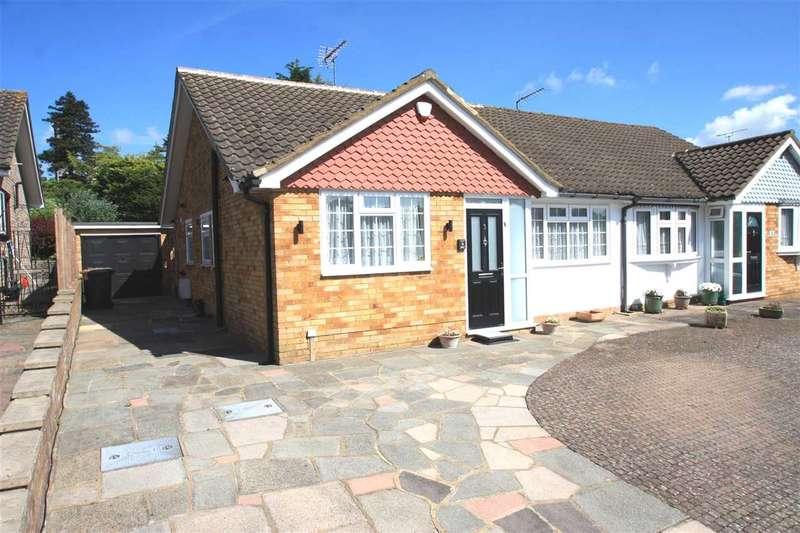 2 Bedrooms Bungalow for sale in Arden Close, Bushey Heath