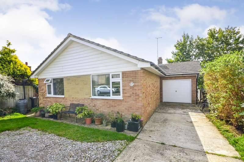 2 Bedrooms Detached Bungalow for sale in Silva Close, Bexhill On Sea, TN40
