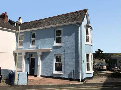 3 Bedrooms Link Detached House for sale in Dartmouth, Devon