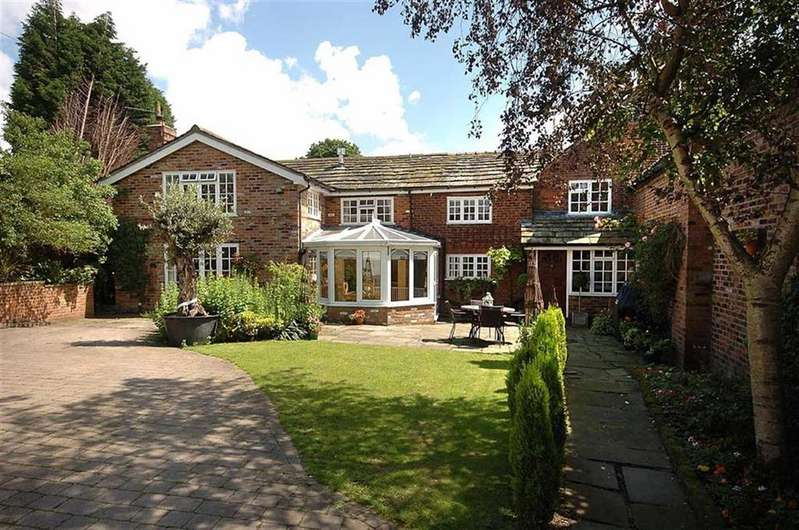 4 Bedrooms Semi Detached House for sale in Wornish Nook, Somerford Booths
