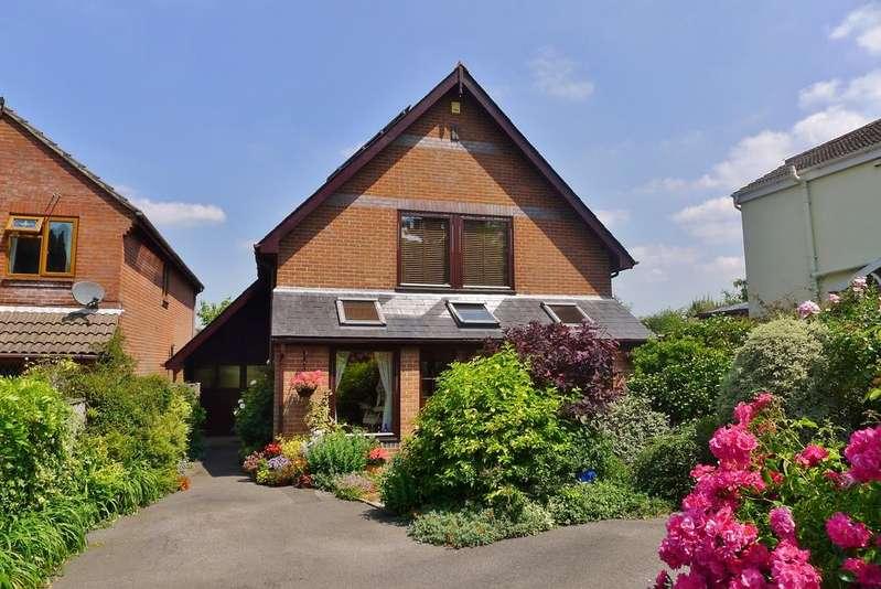 4 Bedrooms Detached House for sale in SARISBURY GREEN