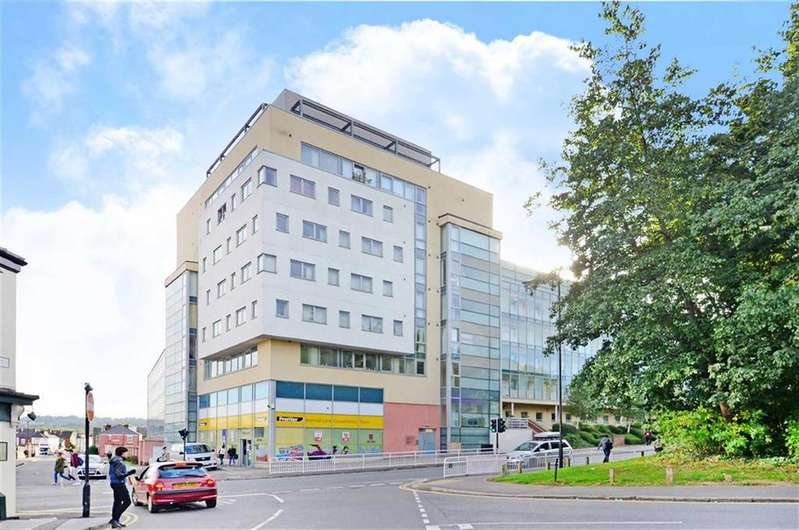 2 Bedrooms Flat for sale in Apartment 24 Anchor Point, 323, Bramall Lane, Sheffield, S2