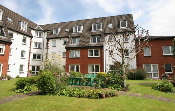 1 Bedroom Flat for sale in 79 Homemount House Gogoside Road, Largs, KA30 9LS