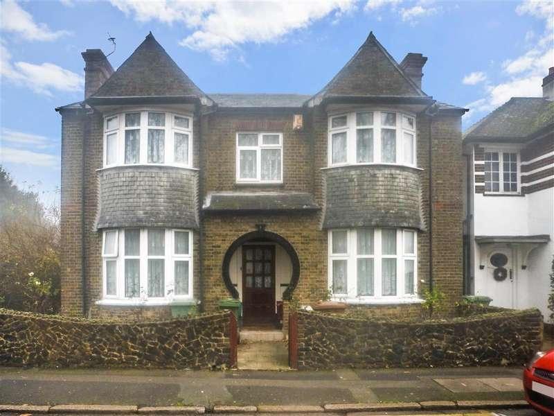 4 Bedrooms Detached House for sale in Oaklands Road, Bexleyheath, Kent