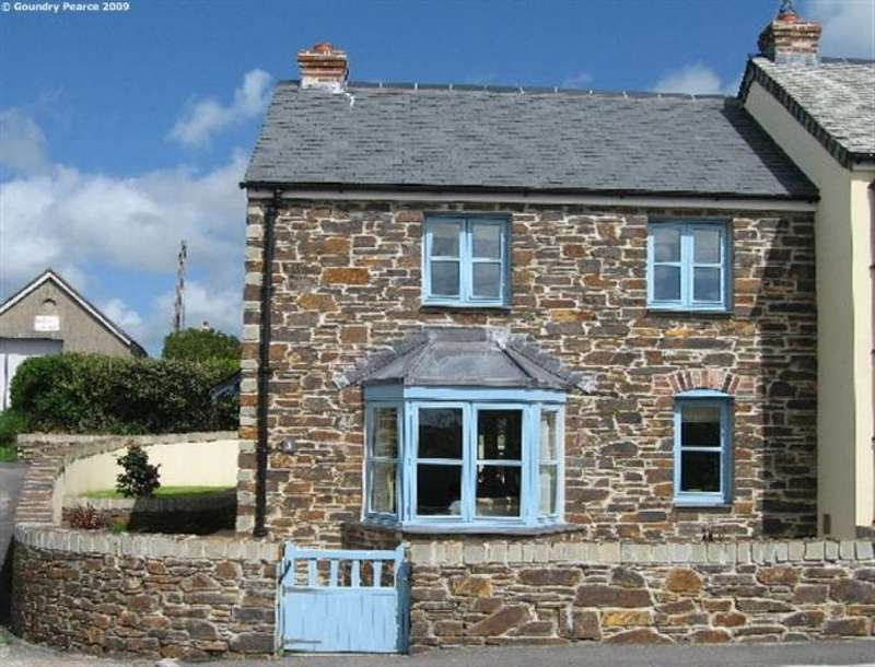 3 Bedrooms End Of Terrace House for sale in Corner Cottage, 3 Lelissick Gardens