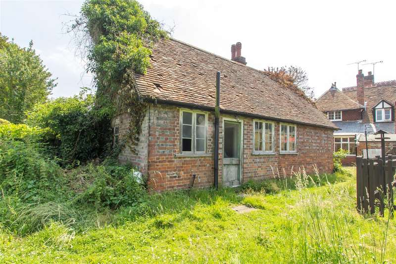 1 Bedroom Bungalow for sale in High Street, Brasted, Westerham