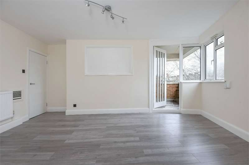 2 Bedrooms Flat for sale in Beckway Street, Elephant and Castle, SE17