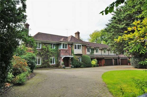 5 Bedrooms Detached House for sale in London Road, Rickmansworth, Hertfordshire