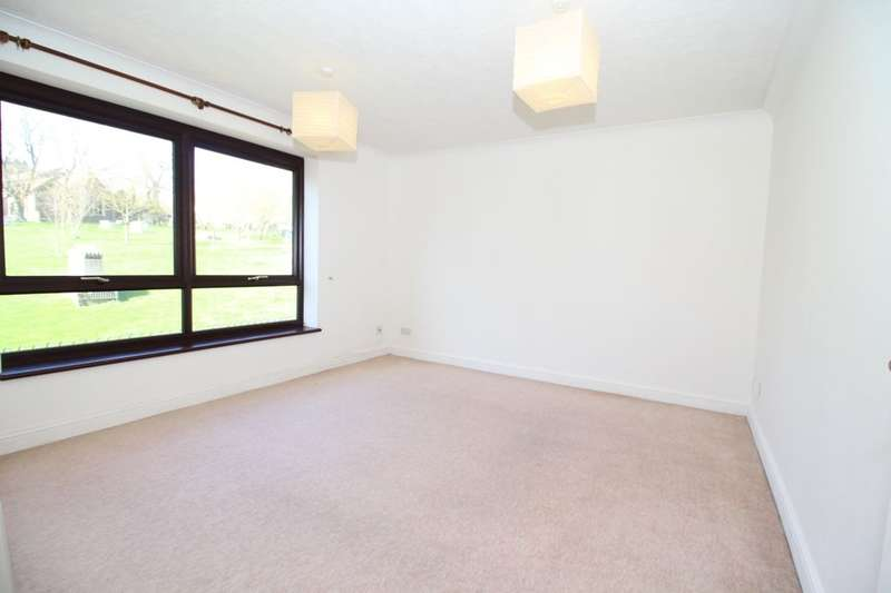 2 Bedrooms Flat for rent in Church Street, Brighton, BN1