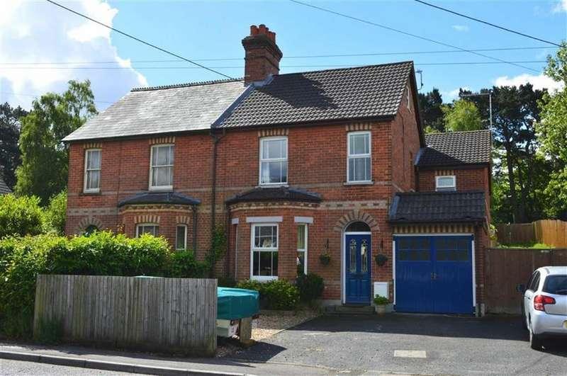 4 Bedrooms Semi Detached House for sale in Dunyeats Road, Broadstone, Dorset