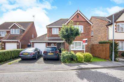 4 Bedrooms Detached House for sale in South Ockendon, Essex, United Kingdom