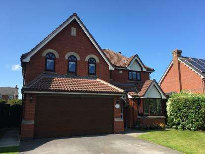 4 Bedrooms Detached House for sale in Kingsley Road, Cottam, Preston, Lancashire, PR4