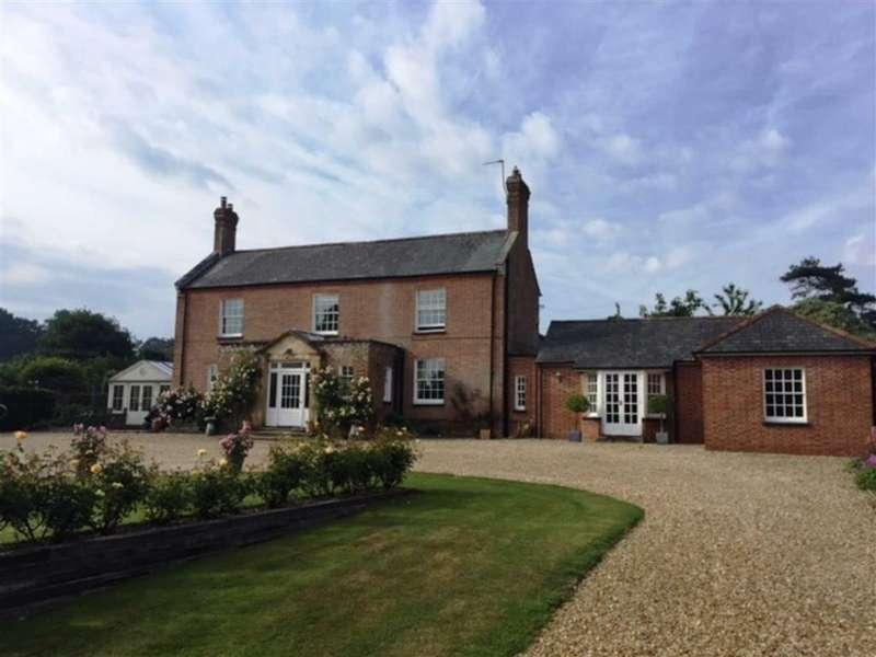 4 Bedrooms Semi Detached House for sale in Moortown Drive, Wimborne, Dorset