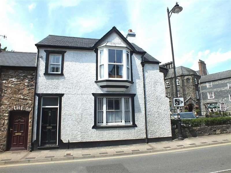 3 Bedrooms End Of Terrace House for sale in 9 Bridge Street, Llanrwst