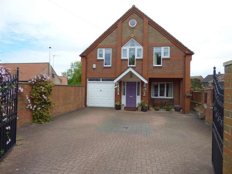 5 Bedrooms Detached House for sale in 105A Queensgate, Beverley, East Yorkshire, HU17 8NJ