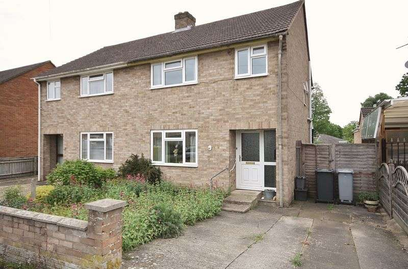 3 Bedrooms Property for sale in South Lawn, Witney