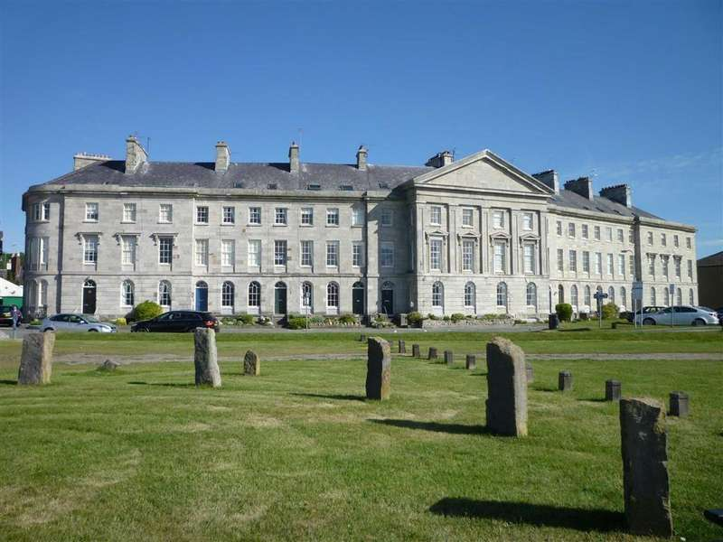 3 Bedrooms Apartment Flat for sale in Victoria Terrace, Beaumaris, Anglesey
