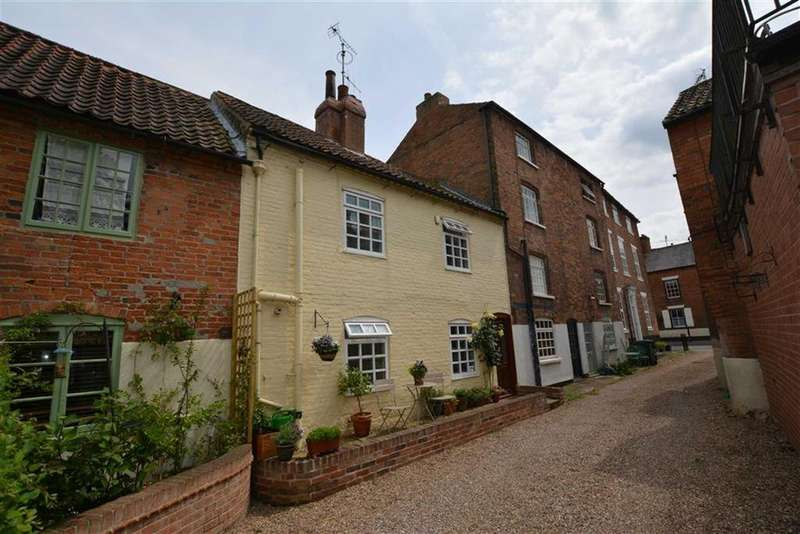 2 Bedrooms Terraced House for sale in Church Street, Southwell, Nottinghamshire, NG25