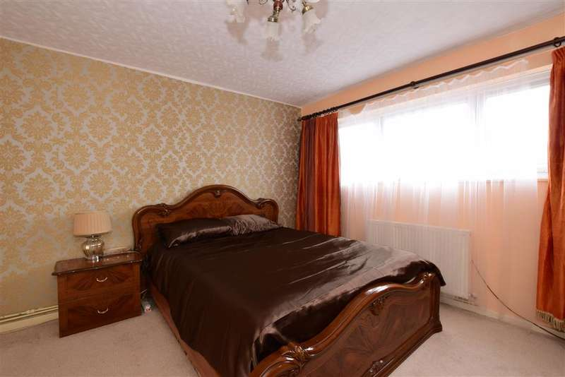 3 Bedrooms Town House for sale in Stow Crescent, Walthamstow, London