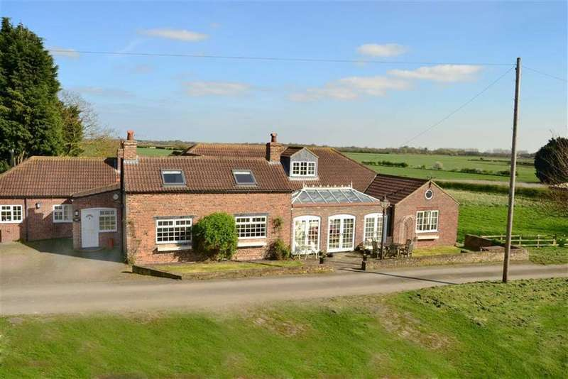 5 Bedrooms Detached House for sale in Sproatley Road, Flinton, East Yorkshire