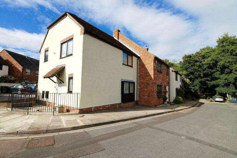 3 Bedrooms End Of Terrace House for sale in Spring Gardens, Emsworth