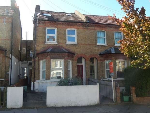 3 Bedrooms Maisonette Flat for sale in Stodart Road, Penge, London