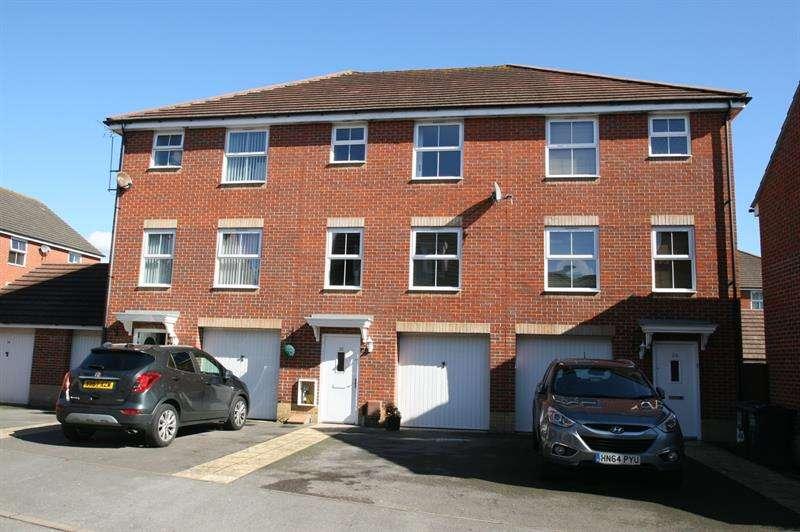 4 Bedrooms Town House for sale in Norden Way, Havant