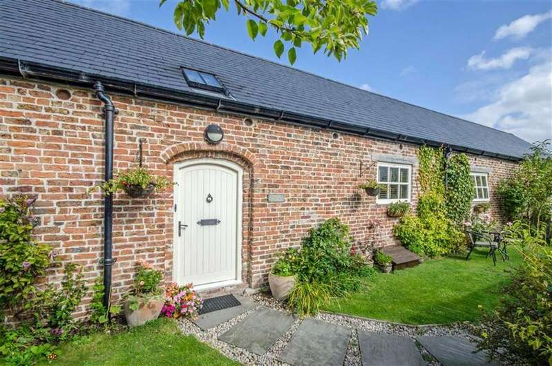 3 Bedrooms Cottage House for sale in Lleweni, Denbigh, Denbigh
