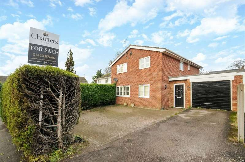 4 Bedrooms Detached House for sale in Whitehill, Hampshire