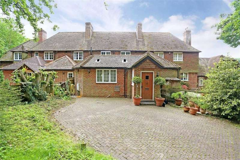 3 Bedrooms Cottage House for sale in Chawton, Hampshire