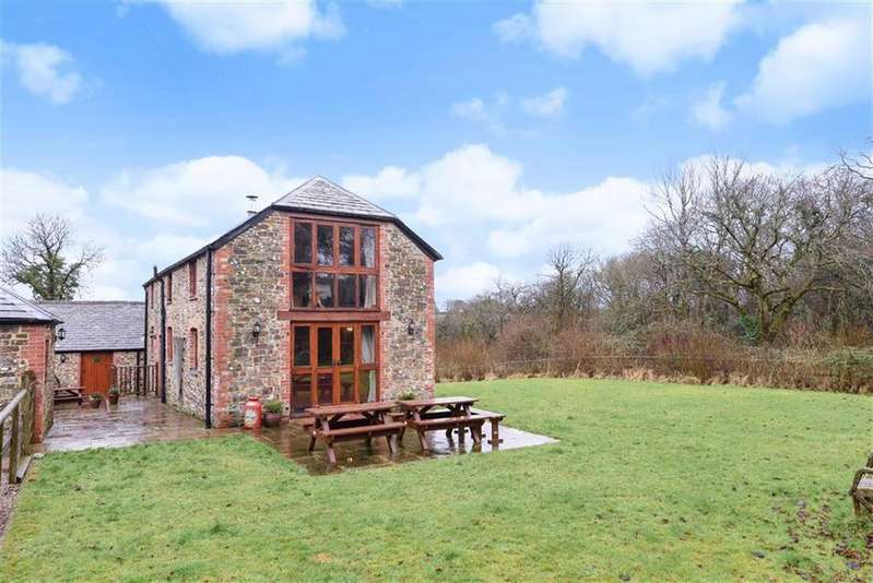 5 Bedrooms Detached House for sale in Clawton, Holsworthy, Devon, EX22