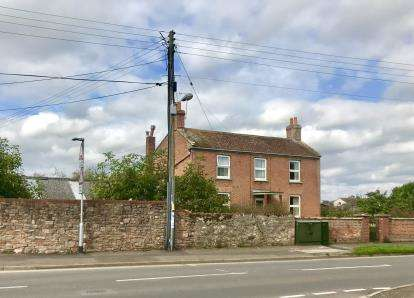 4 Bedrooms Detached House for sale in Taunton, Somerset