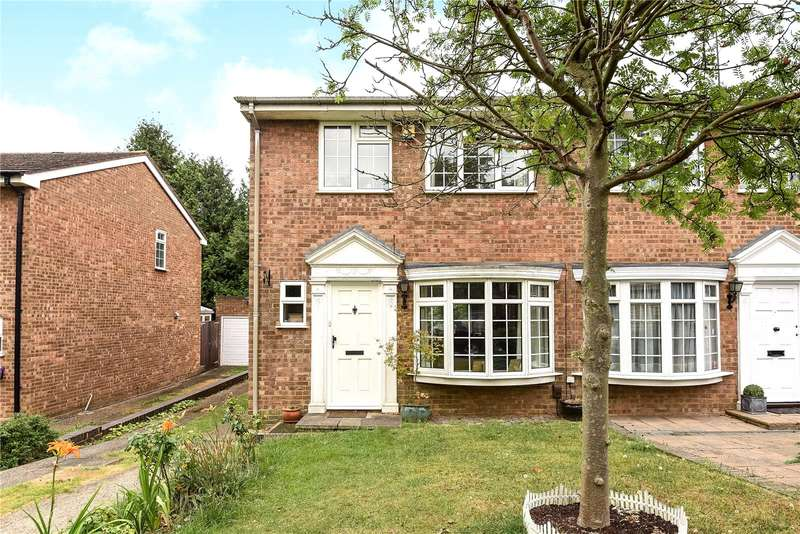 3 Bedrooms Semi Detached House for sale in Silverbirch Close, Ickenham, Middlesex, UB10