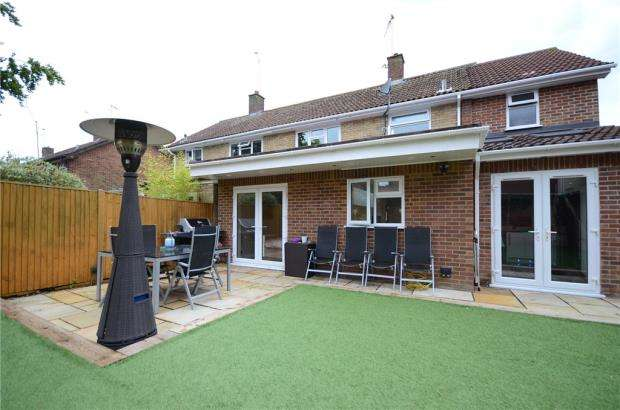 4 Bedrooms Semi Detached House for sale in Ashridge Road, Wokingham, Berkshire