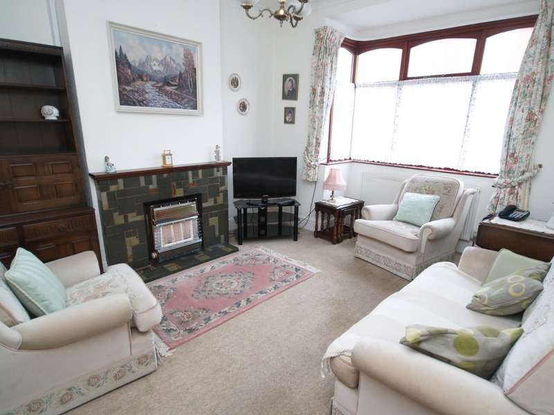 3 Bedrooms Semi Detached House for sale in Belmont Road, Stourbridge