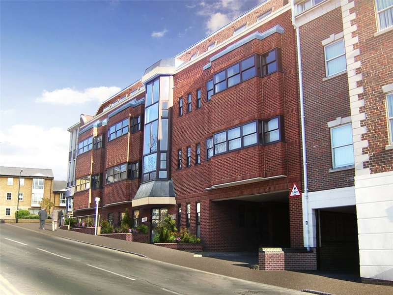 2 Bedrooms Apartment Flat for sale in Curtis House, Corporation Street, High Wycombe, HP13