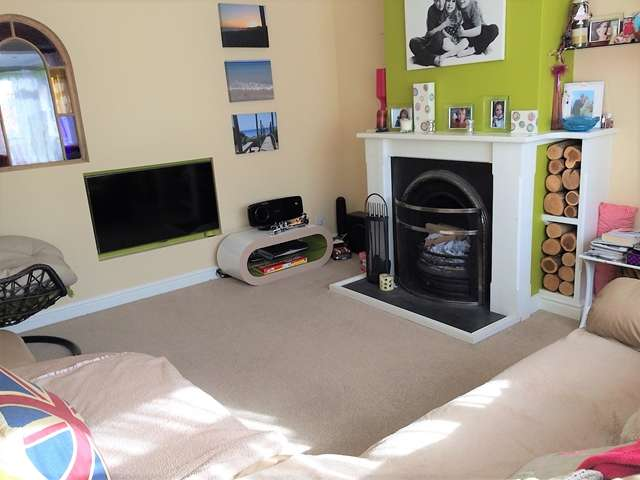 3 Bedrooms Semi Detached House for sale in Jerrard Close, Honiton
