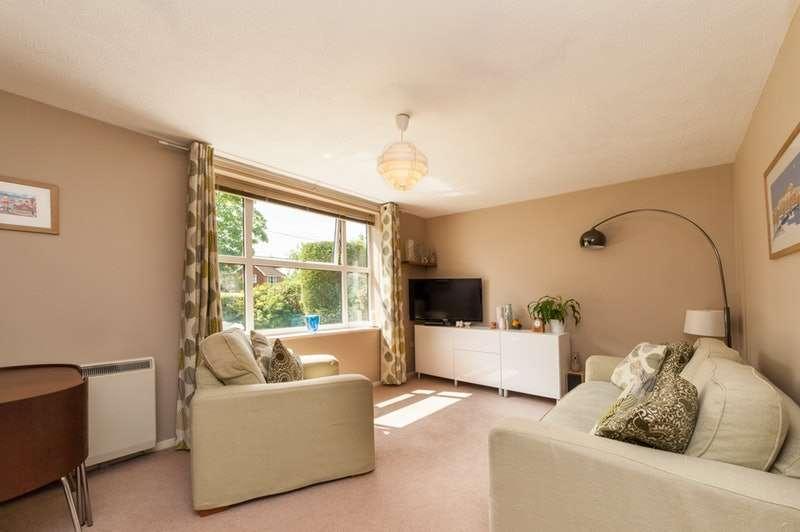 1 Bedroom Flat for sale in Blind Lane, Bourne End, Buckinghamshire, SL8