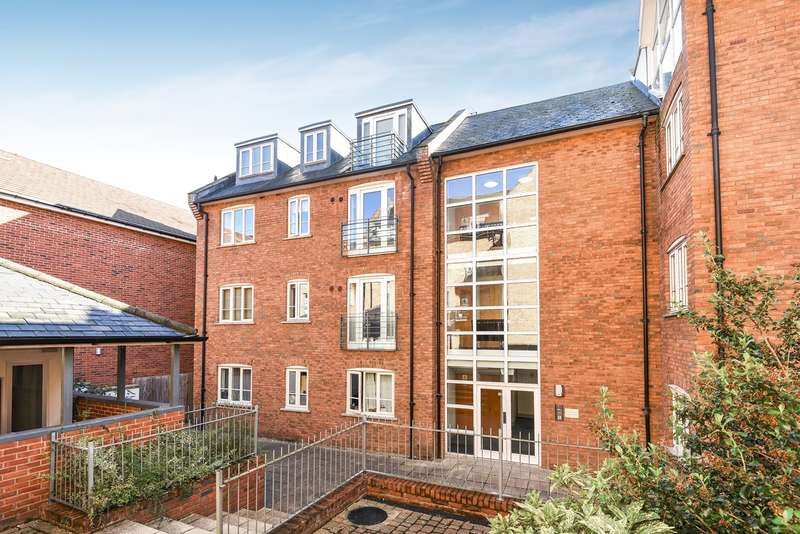 2 Bedrooms Apartment Flat for sale in Coopers Yard, Hitchin, SG5