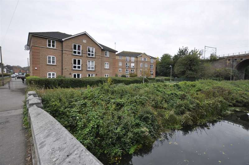 2 Bedrooms Apartment Flat for sale in Barbary Lodge, Seymour Street, Chelmsford