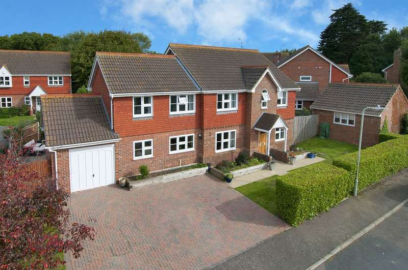 5 Bedrooms Detached House for sale in Shepherdsgate Drive, Herne, Herne Bay