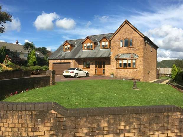 5 Bedrooms Detached House for sale in Parc Heol Ddu Pen-Y-Mynydd, Llanelli, Carmarthenshire