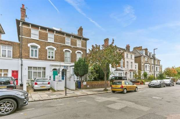 2 Bedrooms Flat for sale in Friars Place Lane, LONDON