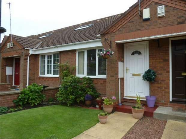 1 Bedroom Terraced Bungalow for sale in Ord Court, Newcastle upon Tyne, Tyne and Wear